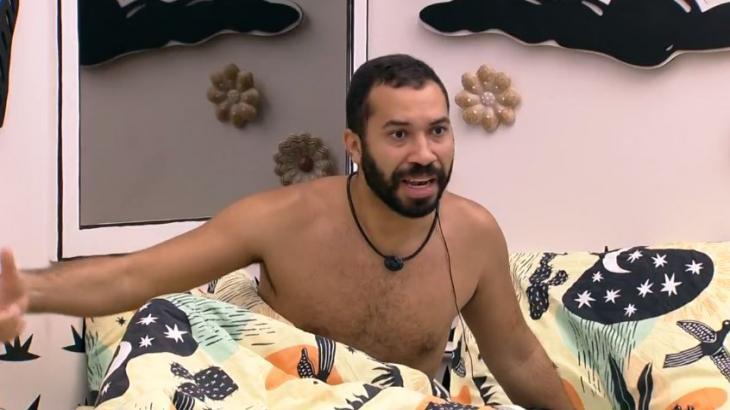 No quarto cordel, Gilberto critica Viih Tube