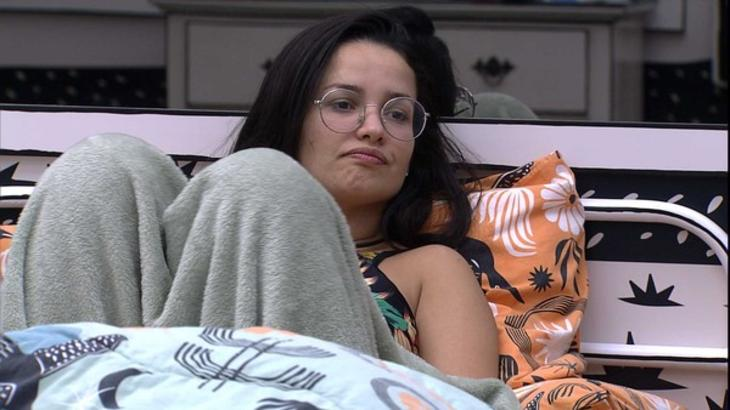 Juliette deitada no quarto cordel do BBB21