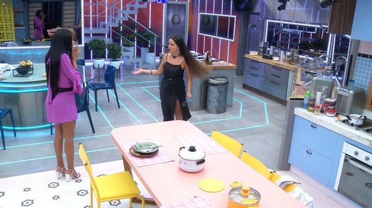 Pocah e Juliette discutem na cozinha do BBB21