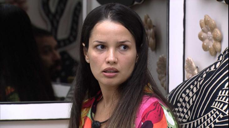 No quarto Cordel, Juliette conversa com Gilberto