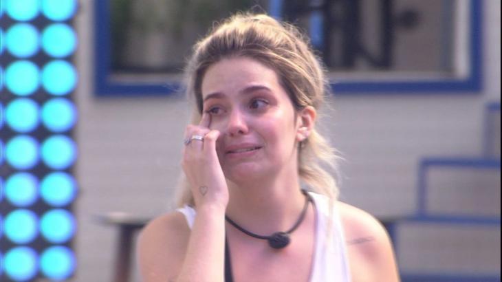Viih Tube chora ao vencer prova do líder do BBB21