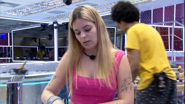 Na cozinha, Viih Tube conversa com João Luiz