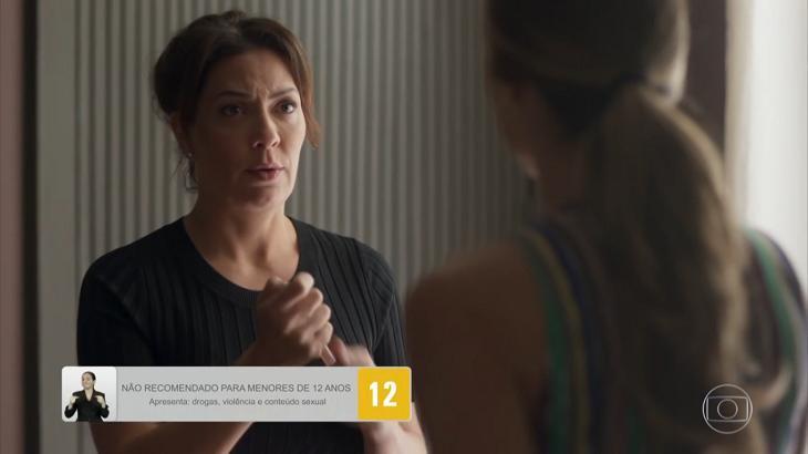 Nana conversando com Paloma em Bom Sucesso - Foto: Reprodução/Globo