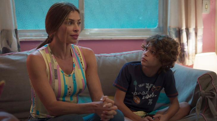 Paloma encara os filhos para contar sobre novo namoro, após terminar com Ramon - Fotos: Divulgação/TV Globo