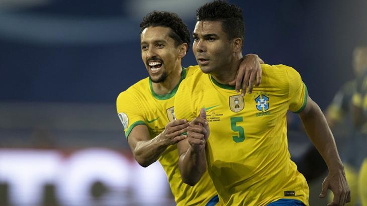 Marquinhos e Casemiro comemorando o gol da vitória do Brasil