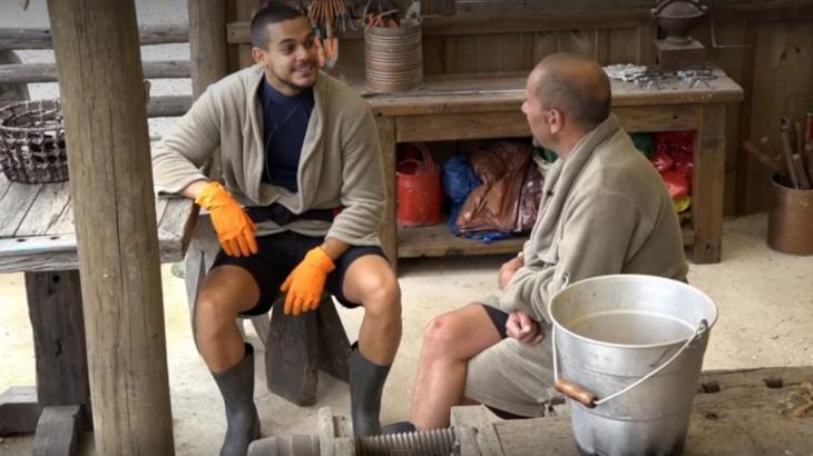 Caíque Aguiar e Rafael Ilha conversam sobre as cartas recebidas pela família - Foto: Reprodução