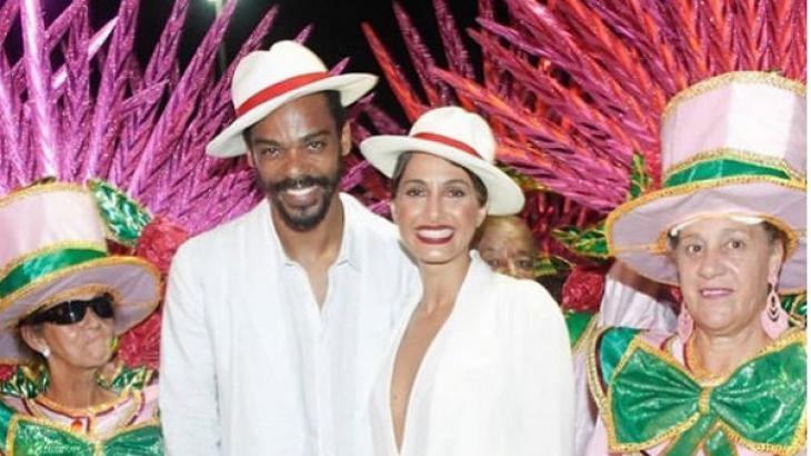 Com homenagem ao pai, Camila Pitanga se emociona em desfile do Rio