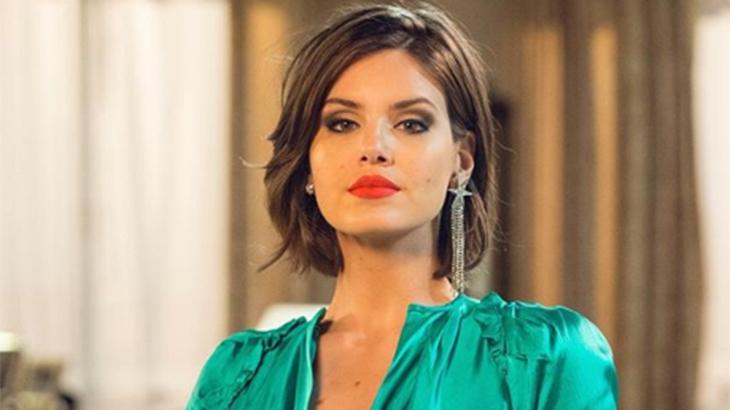 Camila Queiroz se afirma como atriz e mostra amadurecimento em