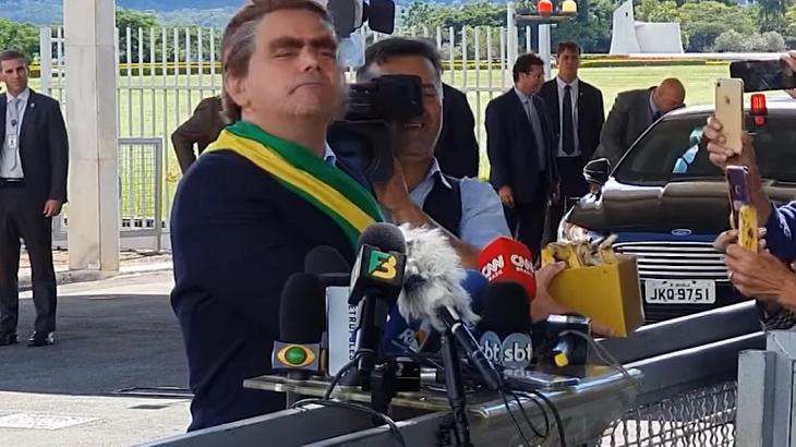 Márvio Lúcio imitando o presidente Bolsonaro - Foto: Reprodução/Youtube
