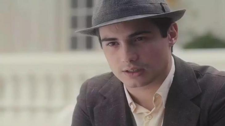 Carlos põe namoro em dúvida com chegada de Inês - Reprodução/TV Globo