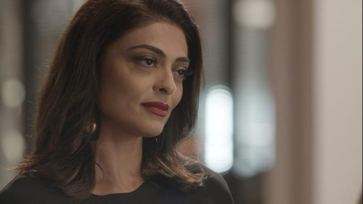 Carolina descobre que desafeta vai assumir seu cargo em Totalmente Demais - Reprodução/TV Globo