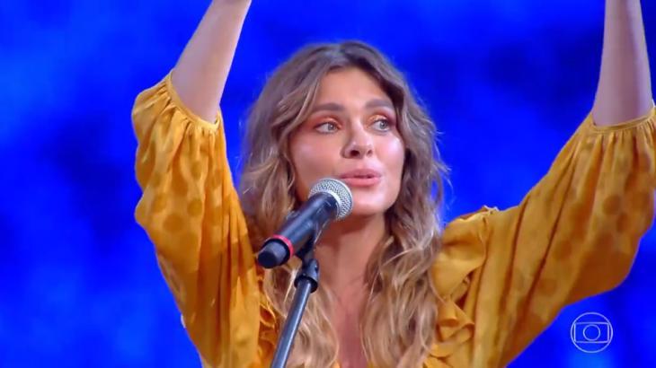 Carolina Dieckmann canta Anitta no Caldeirão e divide opiniões