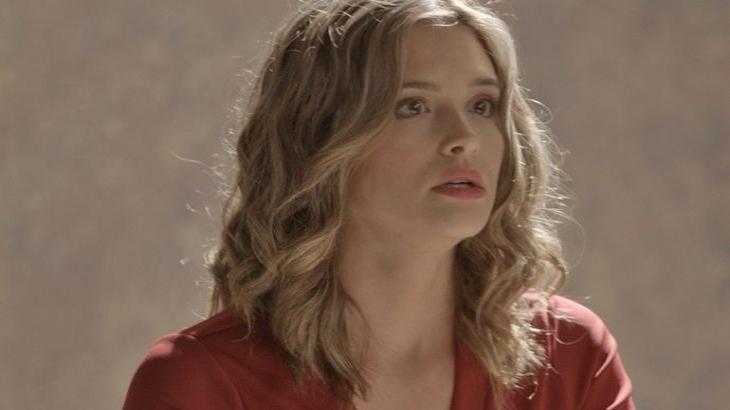 Casssndra deixa escapar que Lili está grávida em Totalmente Demais - Reprodução/TV Globo
