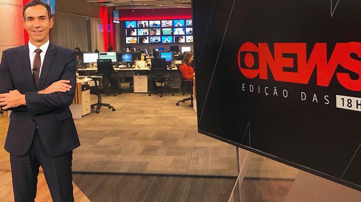 César Tralli na redação da GloboNews