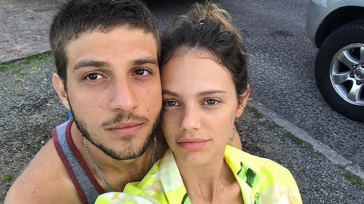 Chay Suede e Laura Neiva - Foto; Reprodução