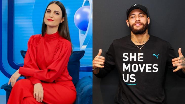 A apresentadora Chris Flores sentada em um sofá azul e o jogador Neymar, de barbae boné