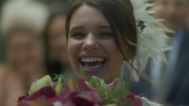 Bruna Linzmeyer como Cibele em cena da novela A Força do Querer, em reprise na Globo