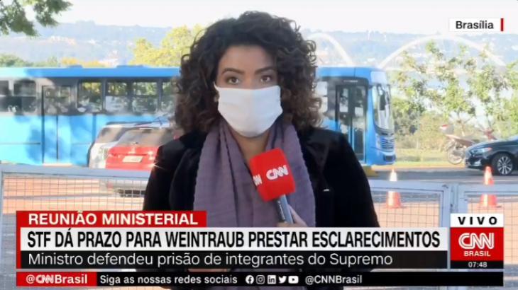 Repórter da CNN Brasil interrompe reportagem após ataque ao vivo - Foto: Reprodução