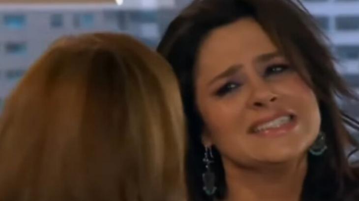 Amores Verdadeiros: Cristina flagra José Angelo com a boca na botija e se descontrola