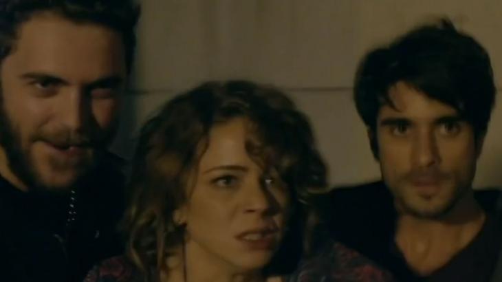 Pitboys seguram Cristina pelo braço e encaram Vicente