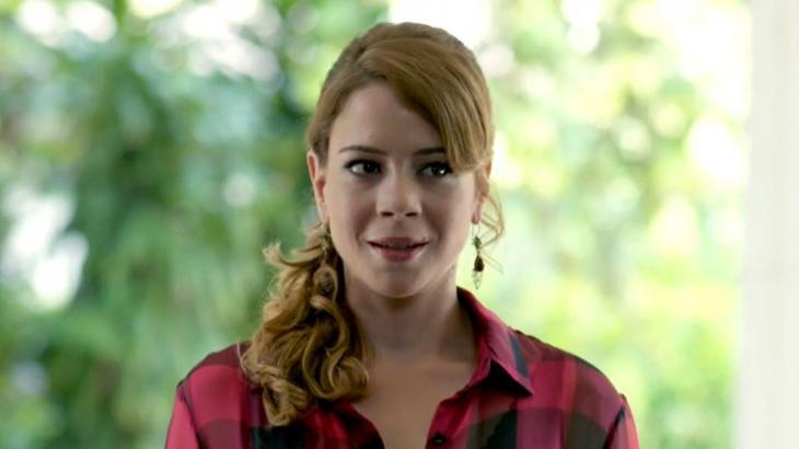 Cristina em Império com cara de surpresa