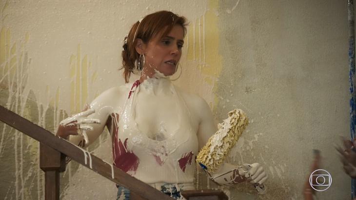 Cena de banho de tinta de Alexia rendeu recorde de audiência a Salve-se Quem Puder