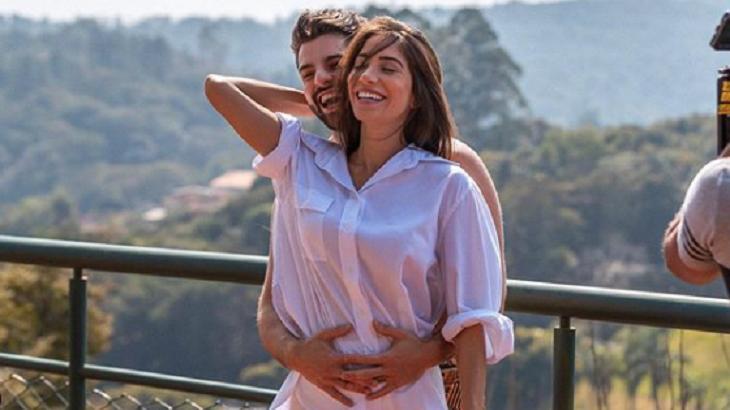 Alok e Romana comemoram a gestação do novo herdeiro