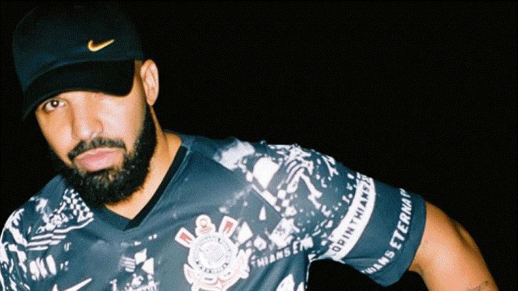 Drake veste camisa do Corinthians e bomba na web