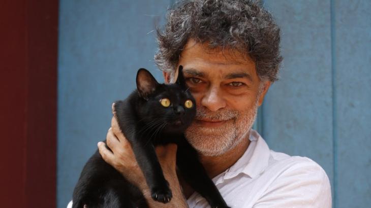 Eduardo Moscovis e o gato León