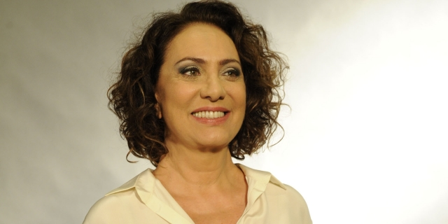 Eliane Giardini repetirá parceria com Walcyr Carrasco em novela das 21h