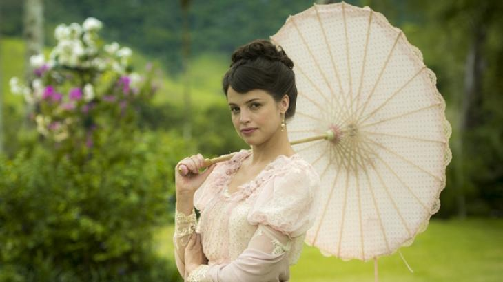 Agatha Moreira como a Ema de