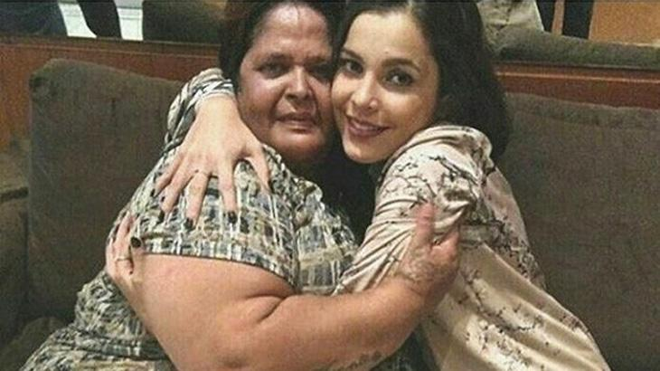 Emilly conhece aposentada que gastou mais de mil reais votando nela no