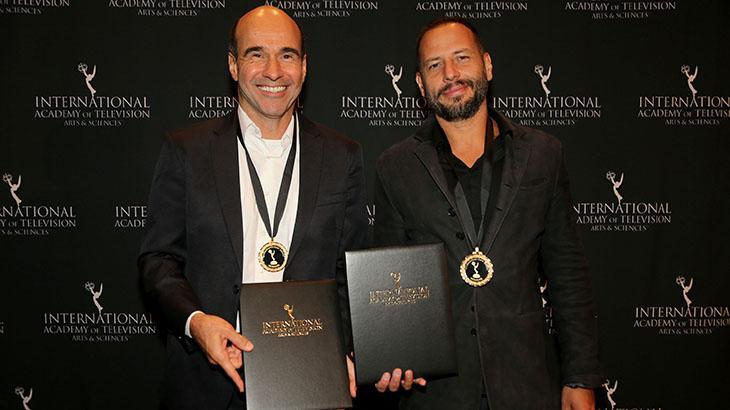 O roteirista George Moura com Afonso Poyart, diretor do filme e também roteirista da minissérie