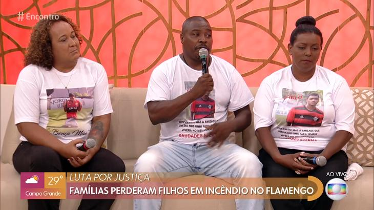 Pais de vítimas do incêndio no Ninho do Urubu participaram do Encontro em meio à guerra da Globo com o Flamengo - Foto: Reprodução/Globoplay