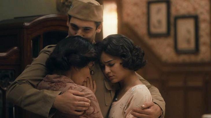 Alfredo abraçado com Lola e Isabel - Foto: Divulgação/Globo