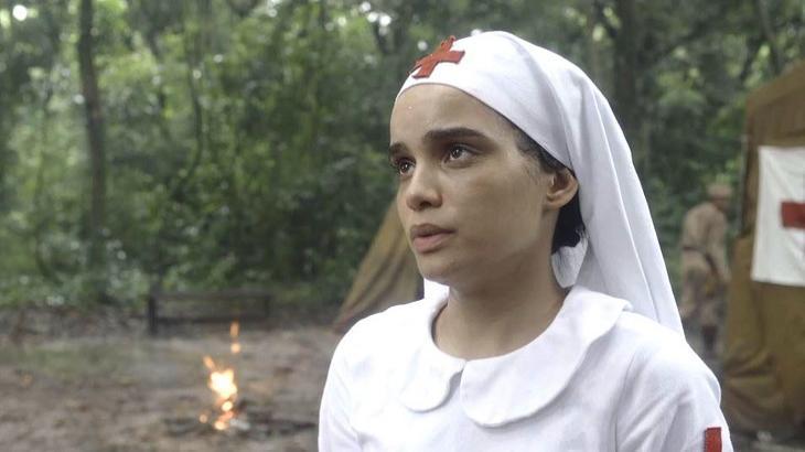 Inês faz pedido para Lúcio em Éramos Seis - Foto: Divulgação/Globo