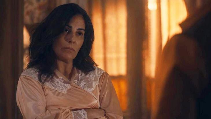 Éramos Seis: Lola mente para Júlio e tem forte discussão com Alfredo