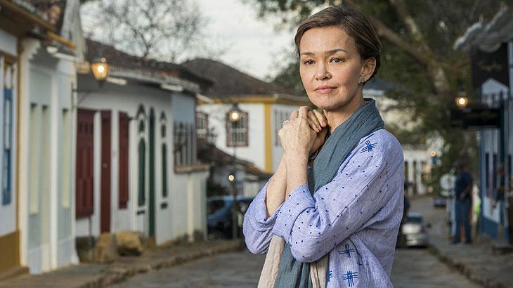 Ana (Julia Lemmertz)