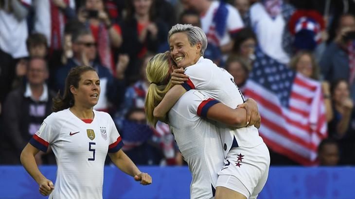 Equipe feminina dos Estados Unidos confirmou favoritismo e está garantida na próxima fase da Copa do Mundo
