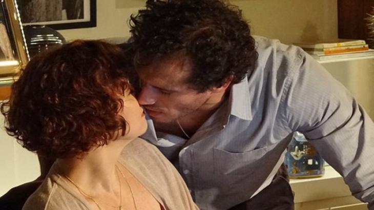 Guaracy e Esther começam a namorar em Fina Estampa - Reprodução/TV Globo