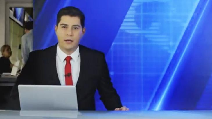 Evaristo Costa volta a apresentar telejornal em nova propaganda da Netflix