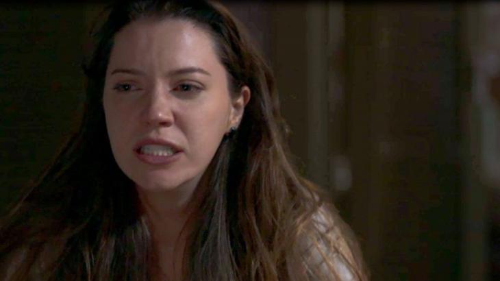 A Dona do Pedaço: Fabiana perde a linha, tenta matar Agno e é impedida por Leandro