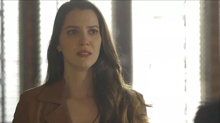 A Dona do Pedaço: Fabiana é expulsa da fábrica e quase leva bolo na cara