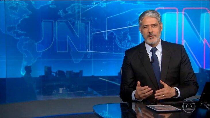 William Bonner em transmissão ao vivo do Jornal Nacional