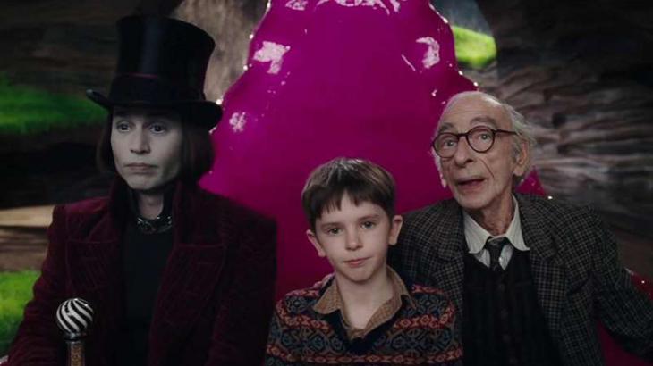 Johnny Depp protagonizou versão de 2005 de A Fantástica Fábrica de Chocolate - Divulgação/Warner