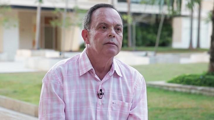 Fernando Vanucci sentado