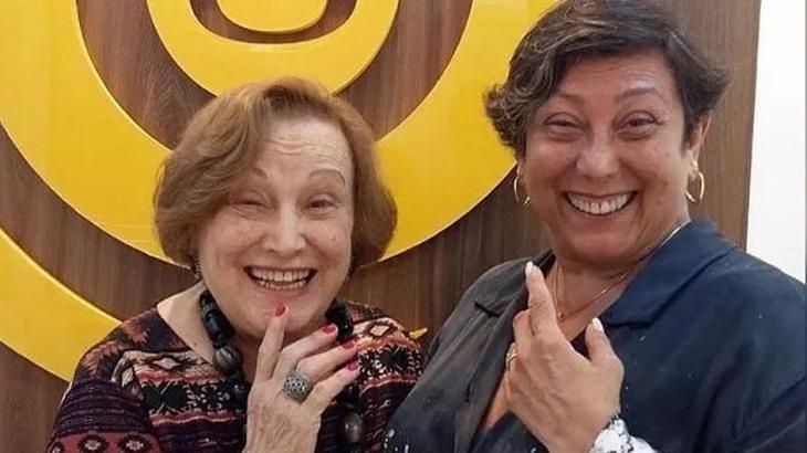 Barbara Bruno e Nicette Bruno sorrindo lado a lado