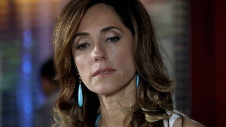 Tereza Cristina pagou caro para manter segredo em segurança em Fina Estampa - Reprodução/TV Globo