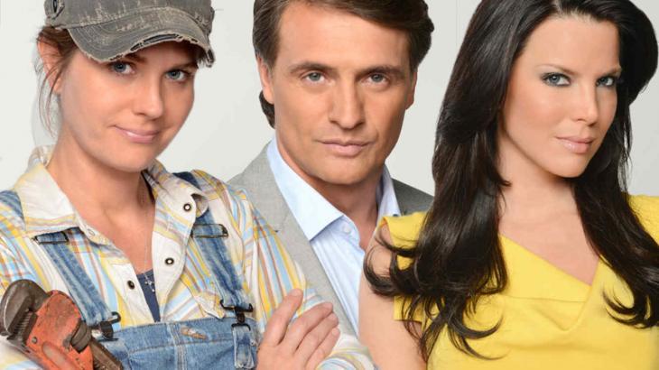 Os atores Sonya Smith, Juan Soler e Maritza Rodríguez viveram os papéis centrais de Marido en Alquiler - Foto: Divulgação/Telemundo