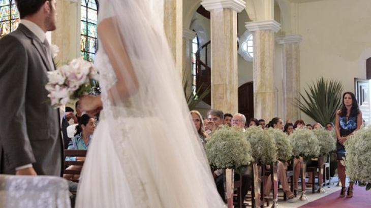 Amália e Rafael se casando em Fina Estampa